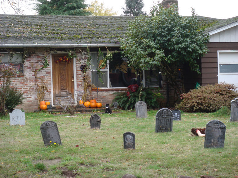 i didnt stay around long enough to find out what evil creature was lurking - Halloween Cemetery Decorations